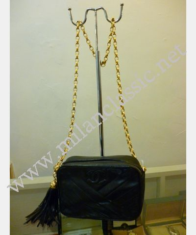 SOLD(已售出)Chanel Black Lambskin Small Sling Bag With Gold ...