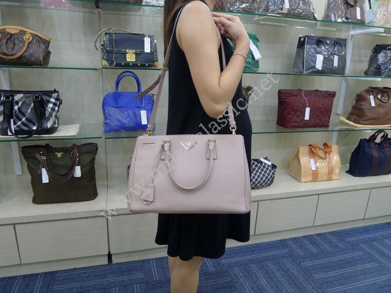 a67cddfbacd6 ... france sold prada saffiano lux in cammeo color double zip tote large  75779 eab09