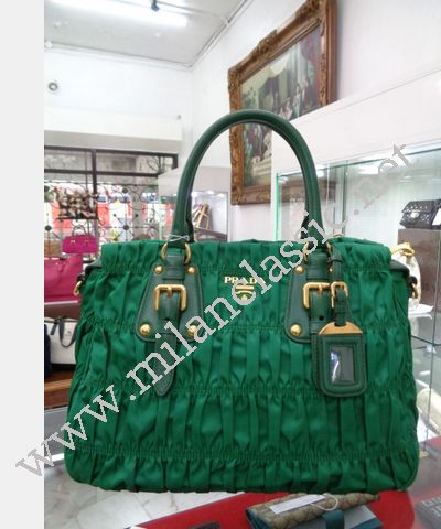 af0b181227d4 NEW - Prada Bamboo Green Nylon Zipped Gaufre Hand Sling Bag NEW YEAR ...